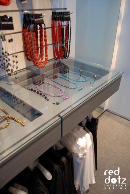 So Beautiful Fashion Shop Cabinet Deign 1